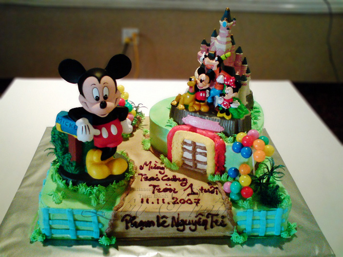 gateau anniversaire mickey imagui. Black Bedroom Furniture Sets. Home Design Ideas